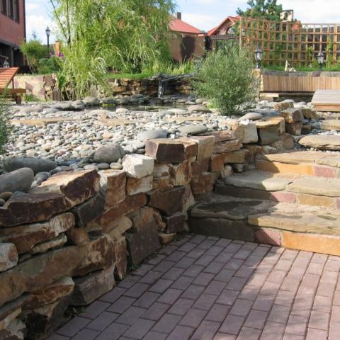 Подпорная стена, сухая кладка бутовым камнем песчанником