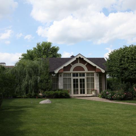Садовый павильон - главный акцент сада