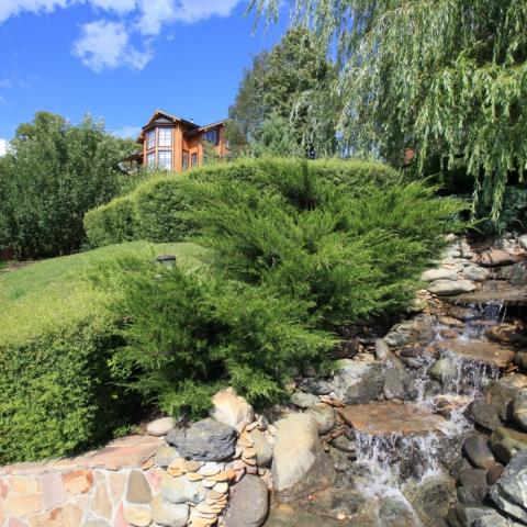 Ландшафтный дизайн, горный ручей на участке