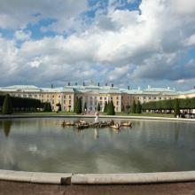 Верхний сад Петергофа фонтан