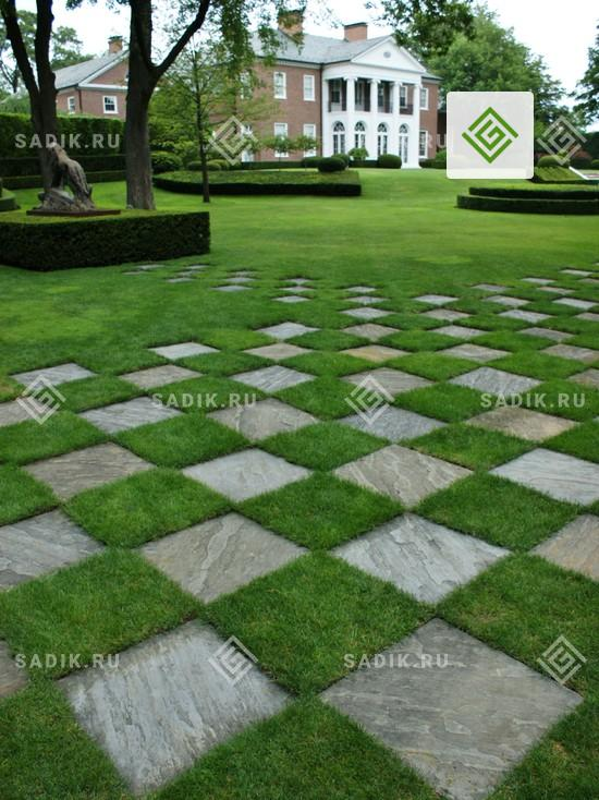 Островной газон в сочетании с бетонными плитами