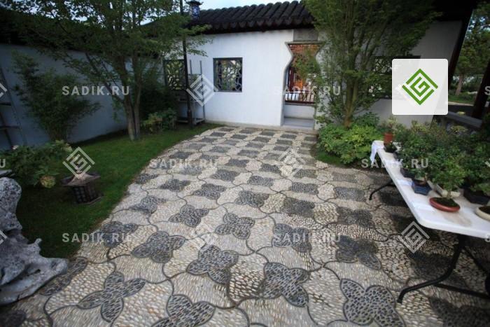 Узорное садовое мощение как элемент ландшафтного дизайна