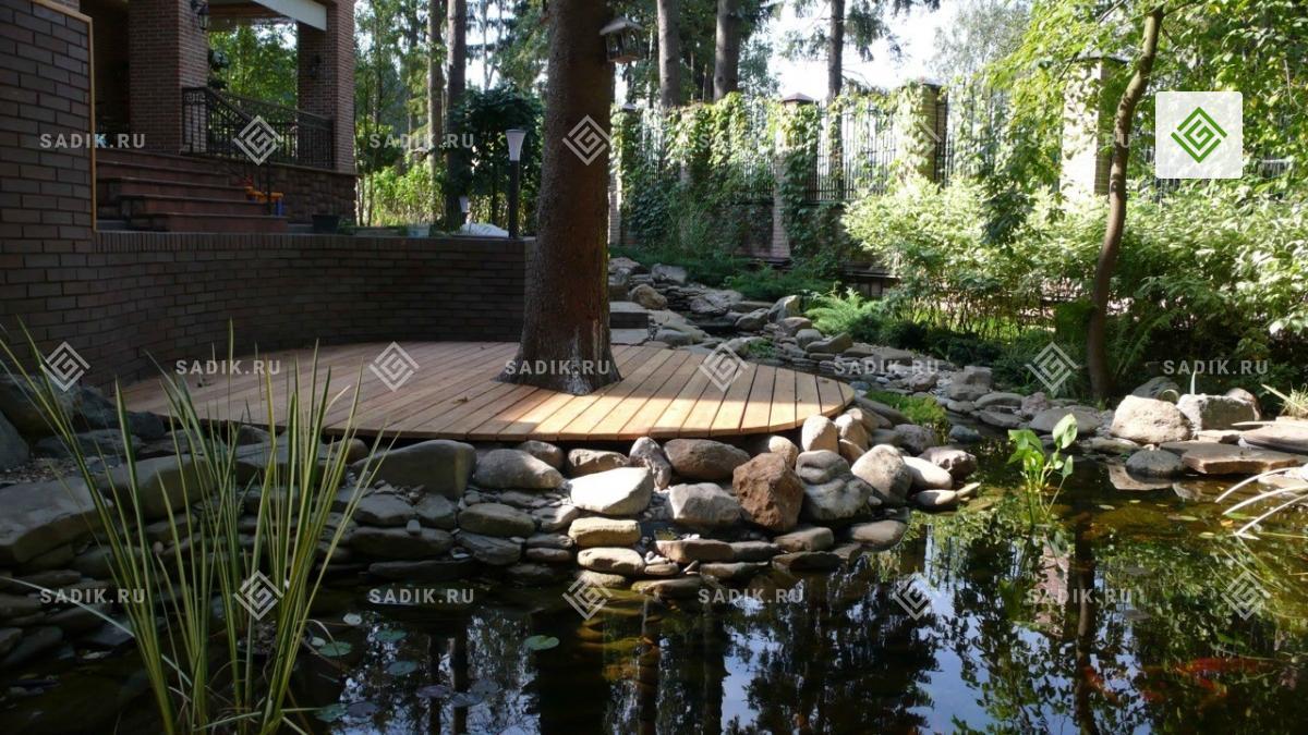 Садовый мини-прудик с декингом