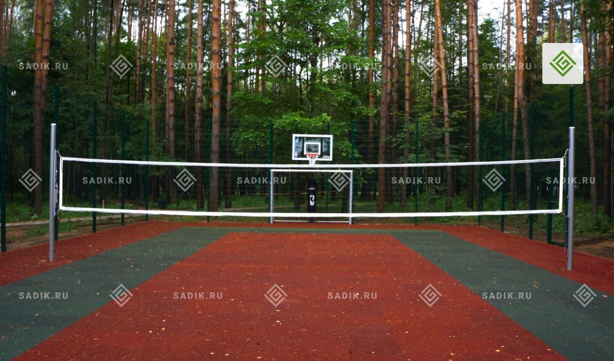 Универсальная спортивная площадка с теннисным кортом